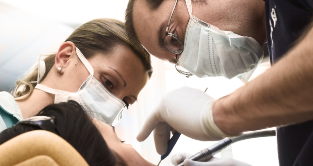 Featured Image dentists working